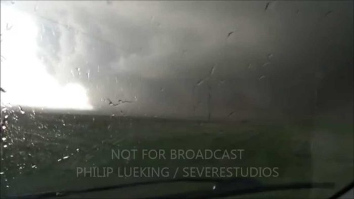 Sutton, NE Tornado VERY CLOSE RANGE – Philip Lueking