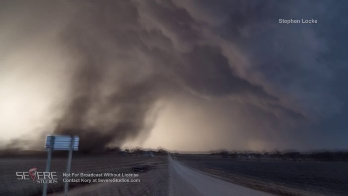 VIDEO: McFarland, KS Gustnado 3-6-17